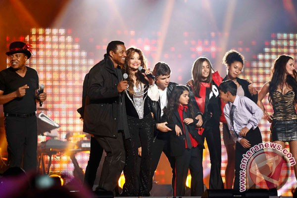 Hakim tunjuk wali baru anak-anak Michael Jackson