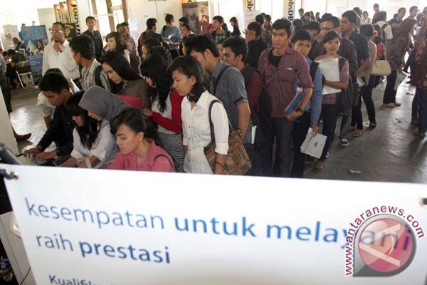 Bali targetkan entas 18 ribu pengangguran pada 2012