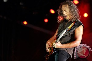 "Kala Kirk ""Metallica"" Hammet mengenang David Bowie"
