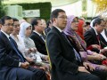 Wakil Ketua MPR RI Lukman Hakim Syaifuddin (keempat kanan) dan tiga Wakil Ketua DPR RI, Pramono Anung (kiri), Taufik Kurniawan (keempat kiri) dan Priyobudi Santoso (kanan) beserta para undangan menghadiri resepsi akad pernikahan Edhie Baskoro Yudhoyono atau Ibas dan Siti Rubi Aliya Rajasa atau Aliya di Istana Kepresidenan Cipanas, Jawa Barat, Kamis (24/11). Ibas putra Presiden Susilo Bambang Yudhoyono melangsungkan pernikahan dengan Aliya putri Menko Perekonomian Hatta Rajasa. (FOTO ANTARA/Widodo S. Jusuf/POOL)