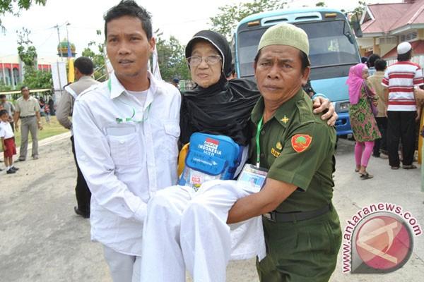 Mendampingi Orangtua Saat Menjalankan Ibadah Haji