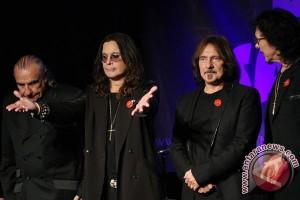 Black Sabbath rilis lagu baru di tur terakhir