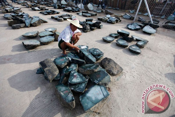 Hampir 100 mayat diangkat dari longsor di tambang giok Myanmar