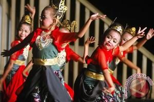 Ceu Popong dukung jaipong jadi warisan budaya dunia