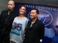 (ki-ka) Tiga juri Indonesia Idol 2012, Ahmad Dhani, Agnes Monica, dan Anang Hermansyah saat menghadiri konfrensi pers jelang Indonesia Idol 2012 di Gedung RCTI, Jakarta, Senin, (30/1). Indonesian Idol 2012 merupakan ajang pencarian bakat di bidang tarik suara yang akan di mulai audisinya pada 17 Febuari 2012 dengan melibatkan 3 juri dari musisi dan penyanyi yakni Ahmad Dhani,Agnes Monica dan Anang Hermansyah. (FOTO ANTARA/Teresia May)