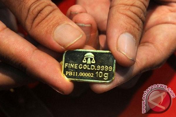 Analis: emas dapat terkoreksi ke level 1.606