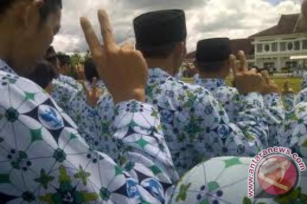 Lombok Timur kekurangan 2.000 PNS