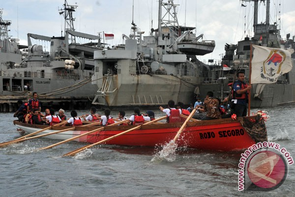 Tim ITS luncurkan kapal
