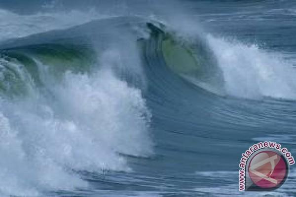 BMKG : tinggi gelombang Selat Karimata dua meter