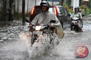 Sejumlah infrastruktur di Malang diterjang banjir