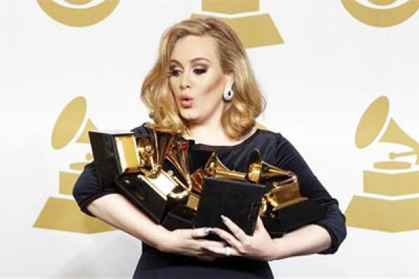 Album Adele tembus rekor 10 juta keping