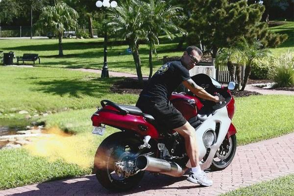 Sepeda motor pakai komponen jet tempur