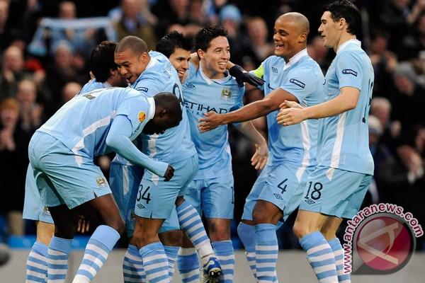 Dzeko bawa City menang 2-1 atas Tottenham