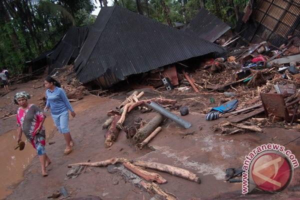 BPBD Padang: ratusan kepala keluarga mengungsi