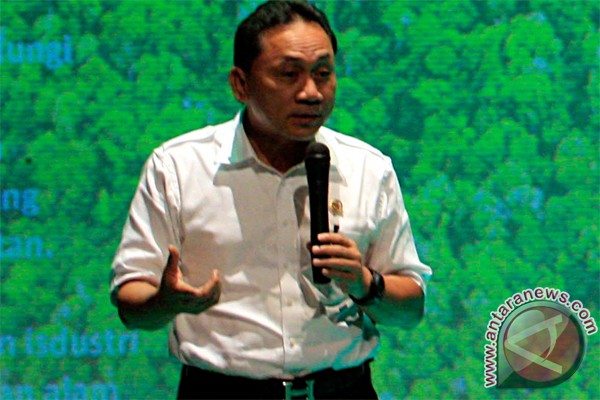 Menteri Kehutanan ajak masyarakat giat tanam pohon