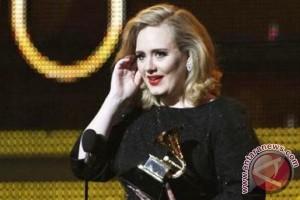 Adele berencana luncurkan clothing line sendiri