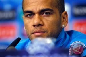 Dani Alves merasa Barcelona menjadi terlalu mudah