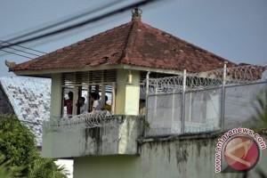 Australian Consul slams Kerobokan Prison door
