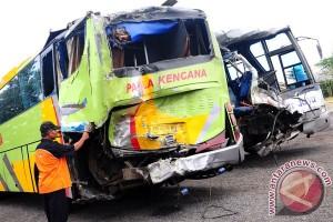 Dua bus pengangkut pemudik bertabrakan di Sukabumi