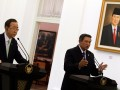 Presiden Susilo Bambang Yudhoyono (kanan) dan Sekjen PBB Ban Ki-moon (kiri) memberikan keterangan pers di Istana Kepresidenan Bogor, Jawa Barat, Selasa (20/3).Selain melakukan pertemuan bilateral dengan Presiden Yudhoyono, Ban Ki-moon juga mengunjungi Indonesia Peace and Security Centre (IPSC) di Sentul, Bogor. (FOTO ANTARA/Widodo S. Jusuf)