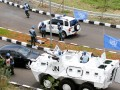Sejumlah pasukan perdamaian Indonesia melakukan simulasi penyelamatan yang disaksikan Presiden Susilo Bambang Yudhoyono dan Sekjen PBB Ban Ki-moon di Indonesia Peace and Security Centre (IPSC), Sentul, Bogor, Jawa Barat, Selasa (20/3). Selain melakukan pertemuan bilateral dengan Presiden Yudhoyono, Ban Ki-moon mengunjungi IPSC di Sentul, Bogor untuk melihat secara langsung sarana dan fasilitas yang tersedia di pusat misi pemeliharaan perdamaian itu. (FOTO ANTARA/Widodo S. Jusuf)