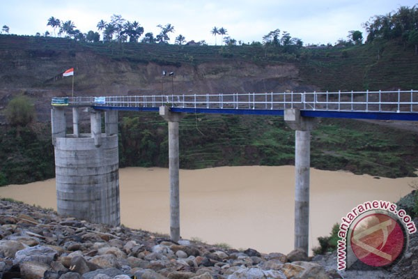 Tujuh bendungan PLTMH Pekalongan krisis air