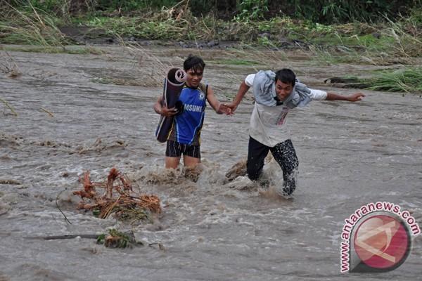 Enam tewas akibat banjir bandang di Aceh