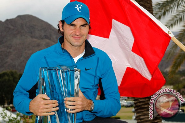 Federer kalahkan Djokovic untuk raih gelar keenamnya