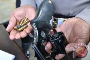 Polres Nganjuk rantai senjata anggota