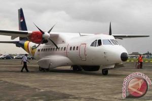 Lanud Padang kenalkan pesawat CN-235 kepada pelajar