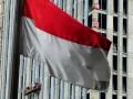 Beberapa pekerja menyelesaikan pembangunan sebuah gedung bertingkat di kawasan bisnis Kuningan, Jakarta, Rabu (4/4). Dana Moneter Internasional (IMF) memperkirakan pertumbuhan ekonomi Indonesia 2012 sebesar 6,3%, jauh di bawah target pemerintah 6,7% akibat perlambatan ekspor. (FOTO ANTARA/Andika Wahyu)