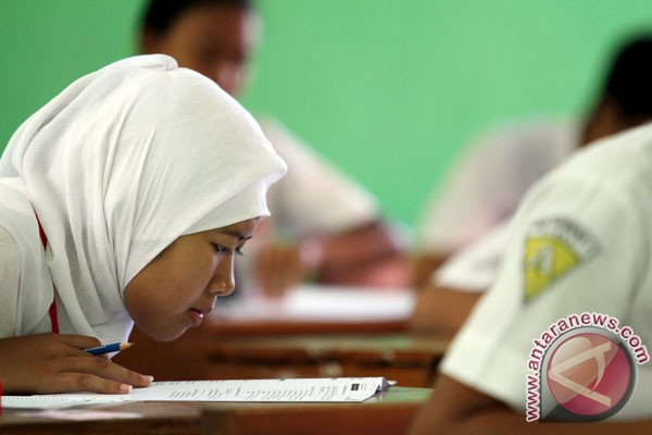 99,57 persen peserta UN SMP/MTs lulus
