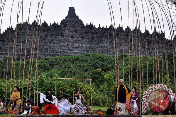 Borobudur enjoys 100 percent increase of visitors