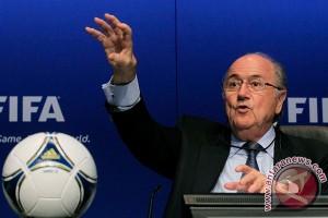 20120402035 Blatter nyatakan walk out bukan solusi atasi rasisme