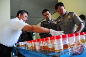 Satu pilot pesawat terbang diindikasi konsumsi narkoba