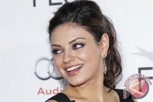 Mila Kunis dan Ashton Kutcher berencana punya anak ketiga