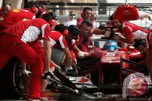GP Australia sempat terhenti setelah kecelakaan Alonso
