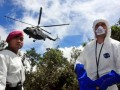 Tim Sukhoi Rusia, Sergei (kanan) bersama seorang prajurit Marinir TNI AL tengah bersiap untuk melakukan pengamatan terhadap lokasi ditemukannya puing pesawat Sukhoi Superjet 100 Puncak Salak 1, Gunung Salak, Bogor, Jawa Barat, Minggu (13/5). Tim Sukhoi Rusia bersama tim Komisi Nasional Keselamatan Transportasi (KNKT) tengah melakukan penyelidikan bersama terkait jatuhnya pesawat Sukhoi Superjet 100 yang jatuh di Puncak Salak 1, Gunung Salak, Jawa Barat. (FOTO ANTARA/Dhoni Setiawan)