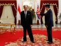 Presiden Susilo Bambang Yudhoyono (kanan) menerima kunjungan kenegaraan Presiden Presidium Majelis Rakyat Tertinggi Korea Utara Kim Yong Nam (kiri) di Istana Merdeka, Jakarta, Selasa (15/5). Kedua pemimpin dan delegasi melakukan pertemuan bilateral untuk meningkatkan kerjasama kedua negara. (FOTO ANTARA/Widodo S. Jusuf)
