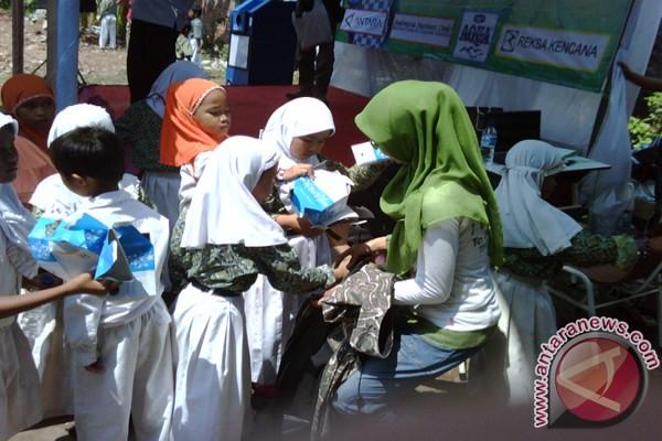 GEMAS sambangi Madrasah al Wathoniyah 06 dan SD Juara