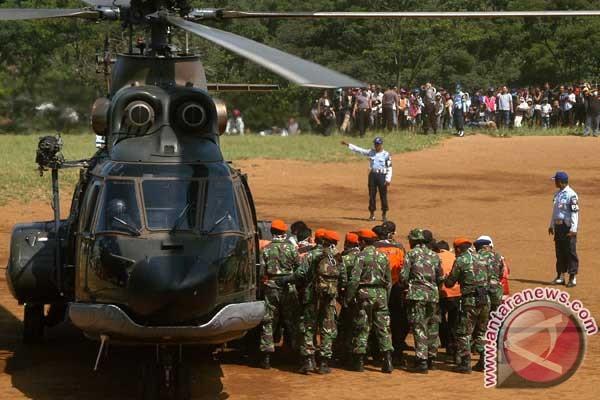 Evakuasi korban kecelakaan Sukhoi dilanjutkan Minggu pagi
