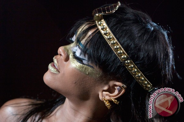 Rihanna tuntut mantan akuntannya