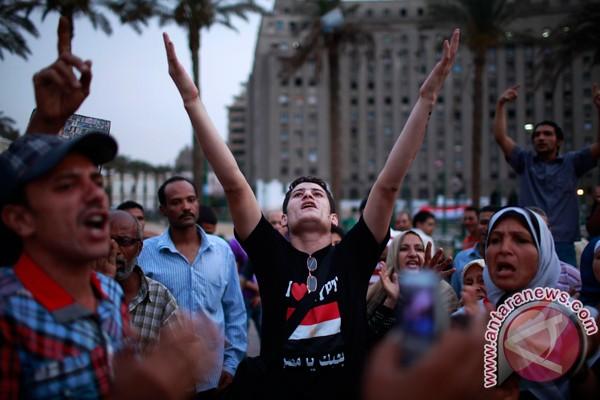 Pemuda Mesir serbu markas capres Shafiq