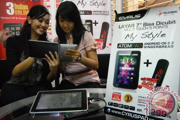 Operator seluler PT Telkomsel bidik penjualan Tablet Cyrus AtomPad
