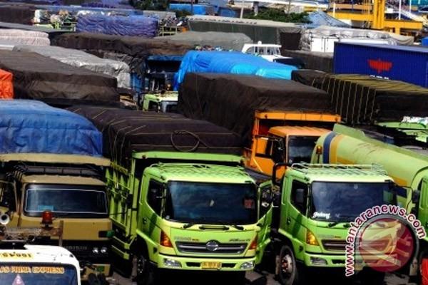 Dahlan: tambah kapal atasi kemacetan Merak-Bakauheni