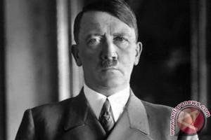 Lukisan Adolf Hitler dilelang di Los Angeles
