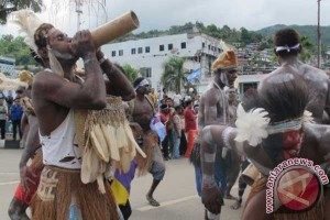Pesta Budaya Asmat ditunda Januari 2016