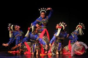 Remaja Meksiko tampilkan tari tradisional Indonesia