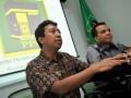 Sekjen DPP PPP, Romy Romahurmuziy (kiri), dan Sekertaris Fraksi PPP, Arwani Thomafi (kanan) menjadi pembicara dalam diskusi RUU Pilpres, di Jakarta, Minggu (17/6). PPP menargetkan 15 persen suara nasional, dengan target tersebut PPP bisa mendapatkan sekitar 60 kursi DPR dari 77 daerah pemilihan (dapil). ( ANTARA/Yudhi Mahatma)
