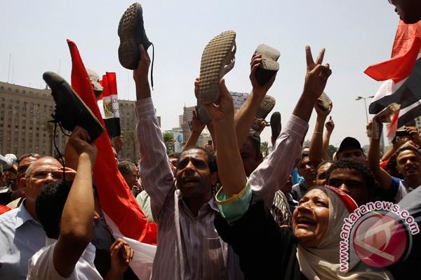 Tentara serahkan kekuasaan kepada presiden Mesir akhir bulan